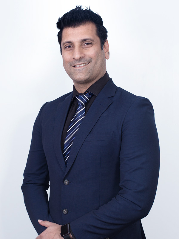 Dr. Yogesh, a dental specialties in aesthetic dentistry, veneering and orthodontics